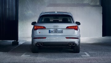 Rear view of the Audi SQ5